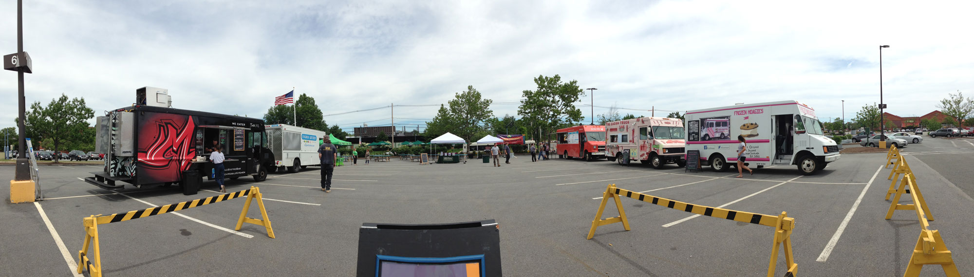 Arsenal-Food-Trucks-Panorama-sm